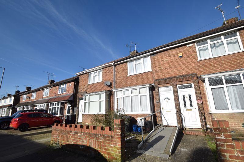 2 bedroom Mid Terrace to rent in Applecroft Road, Luton