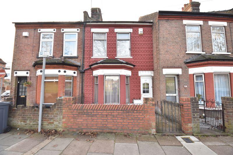 3 bedroom Mid Terrace to buy in Havelock Road, Luton