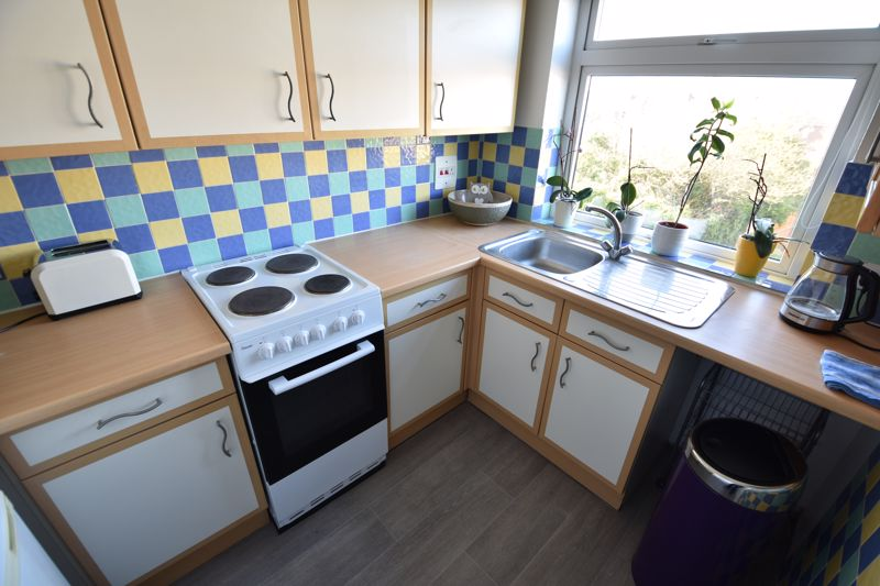 2 bedroom  to buy in Elderberry Close, Luton - Photo 14