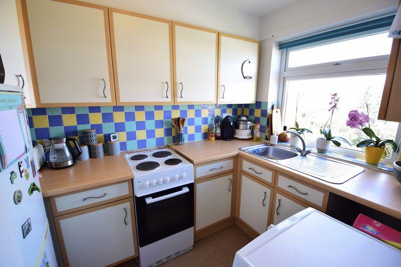 2 bedroom  to buy in Elderberry Close, Luton - Photo 4