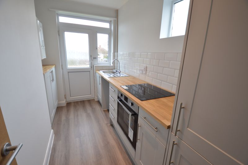 3 bedroom End Terrace to buy in Stanford Road, Luton - Photo 1