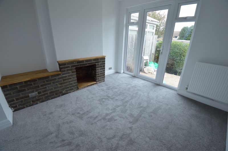 3 bedroom End Terrace to buy in Stanford Road, Luton - Photo 3
