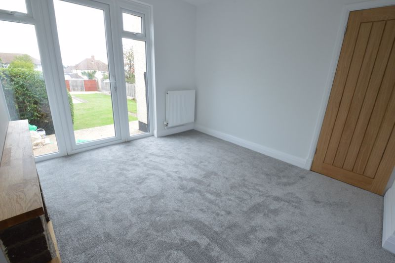 3 bedroom End Terrace to buy in Stanford Road, Luton - Photo 4