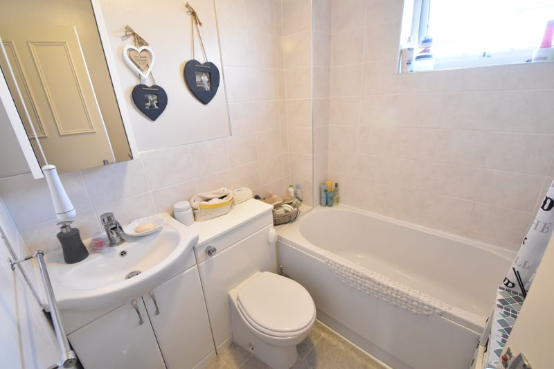 2 bedroom Semi-Detached  to buy in Dunsmore Road, Luton - Photo 12