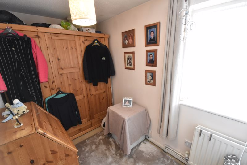 2 bedroom Semi-Detached  to buy in Dunsmore Road, Luton - Photo 13