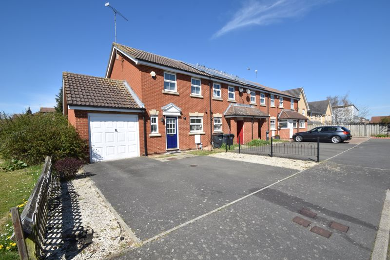 3 bedroom End Terrace to buy in Wraysbury Close, Luton