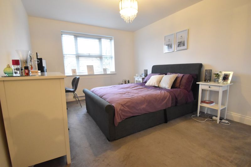 1 bedroom Flat to buy in South Road, Luton - Photo 2