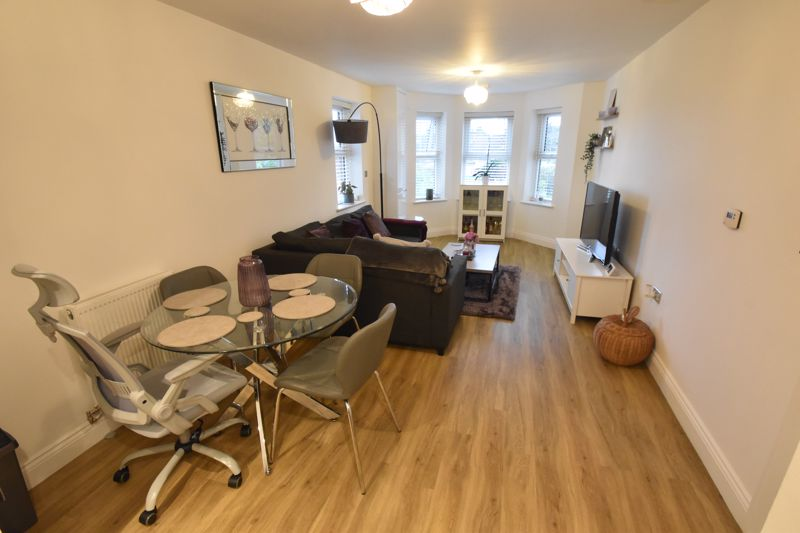 1 bedroom Flat to buy in South Road, Luton - Photo 5