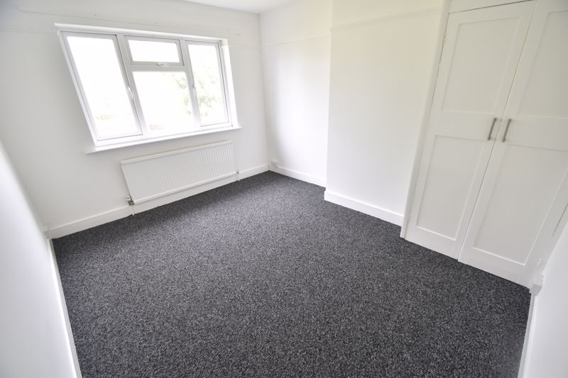 3 bedroom Semi-Detached  to rent in Richmond Hill, Luton - Photo 6