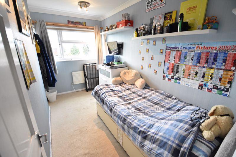 3 bedroom  to buy in Ross Way, Luton - Photo 4