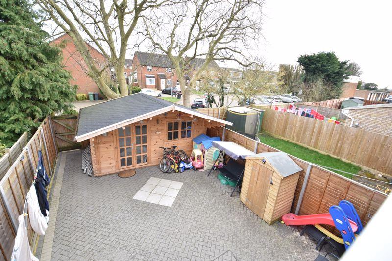 3 bedroom  to buy in Ross Way, Luton - Photo 7