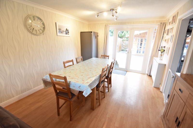 3 bedroom  to buy in Ross Way, Luton - Photo 9