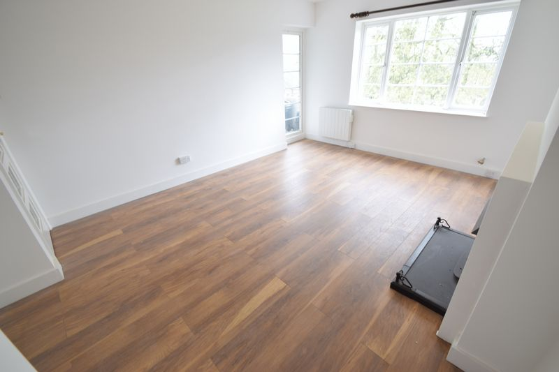 2 bedroom Flat to rent in New Bedford Road, Luton - Photo 11