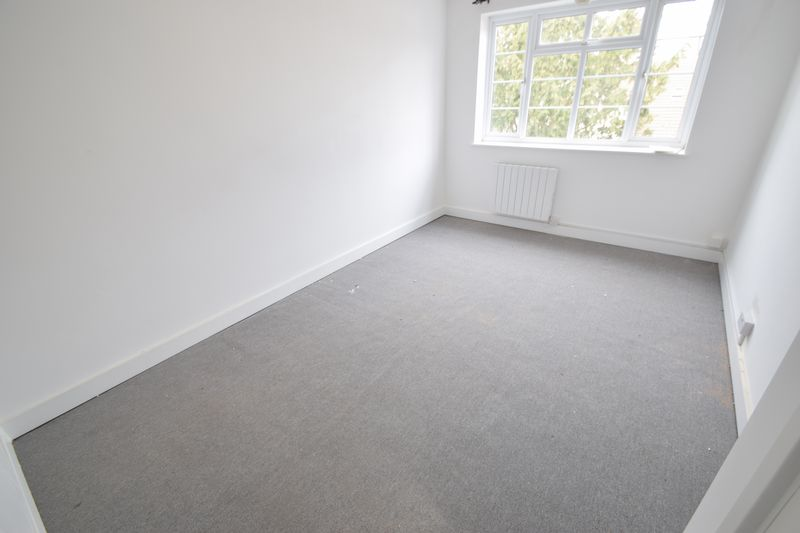 2 bedroom Flat to rent in New Bedford Road, Luton - Photo 15