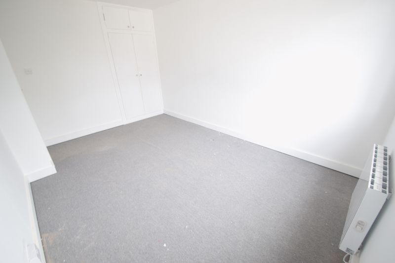 2 bedroom Flat to rent in New Bedford Road, Luton - Photo 17
