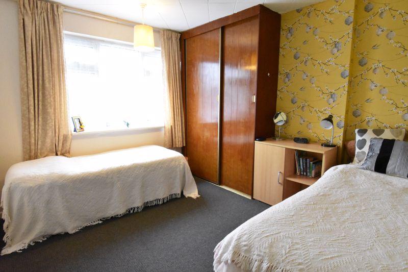 3 bedroom Semi-Detached  to buy in Alpine Way, Luton - Photo 11