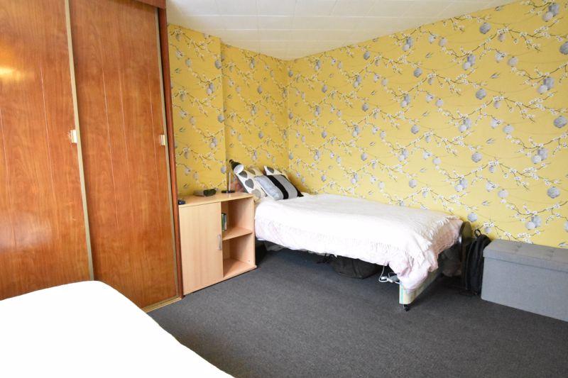 3 bedroom Semi-Detached  to buy in Alpine Way, Luton - Photo 12