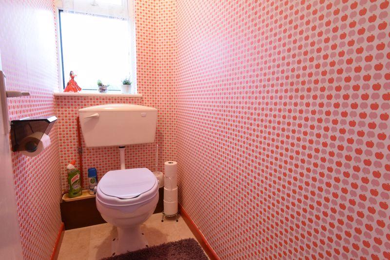3 bedroom Semi-Detached  to buy in Alpine Way, Luton - Photo 18