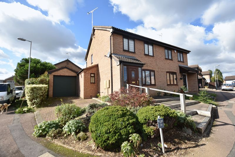 3 bedroom  to buy in Tilgate, Luton