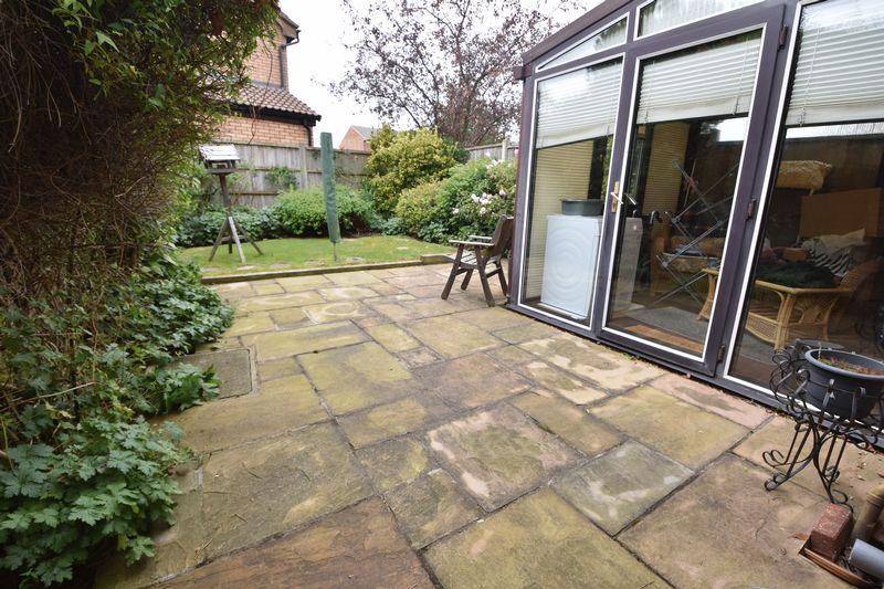 3 bedroom  to buy in Tilgate, Luton - Photo 3