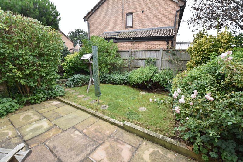 3 bedroom  to buy in Tilgate, Luton - Photo 4