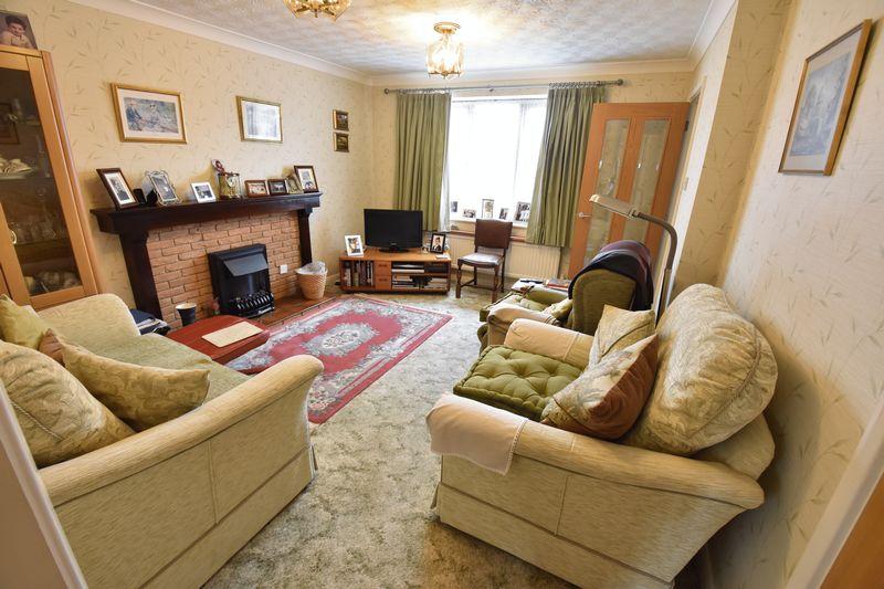 3 bedroom  to buy in Tilgate, Luton - Photo 8