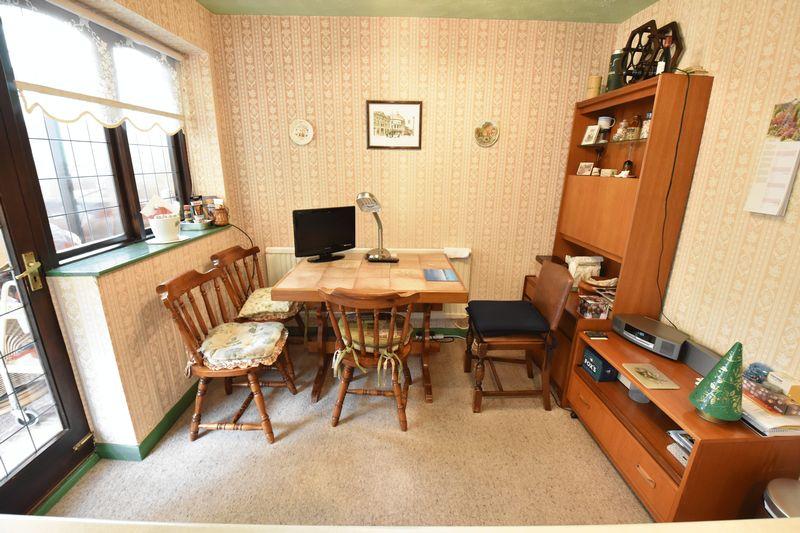 3 bedroom  to buy in Tilgate, Luton - Photo 11