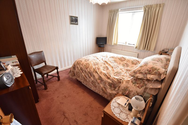 3 bedroom  to buy in Tilgate, Luton - Photo 14