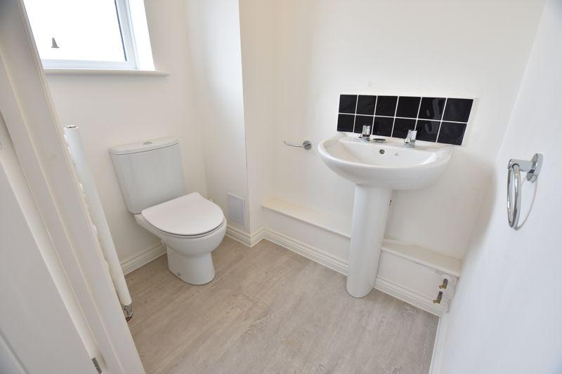 4 bedroom  to buy in Fermor Crescent, Luton - Photo 22