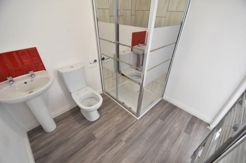 4 bedroom  to buy in Fermor Crescent, Luton - Photo 19