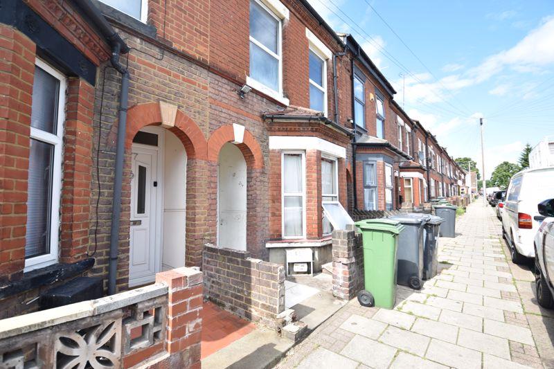1 bedroom Flat to rent in 79 Frederick Street, Luton