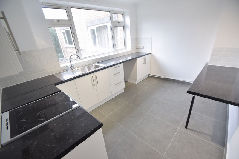 2 bedroom Flat to rent in New Bedford Road, Luton - Photo 16