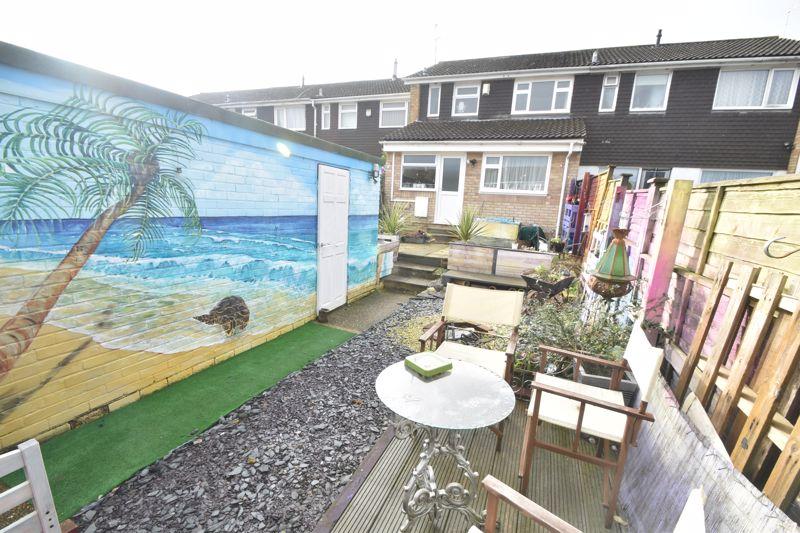 4 bedroom Mid Terrace to buy in Verulam Gardens, Luton - Photo 14
