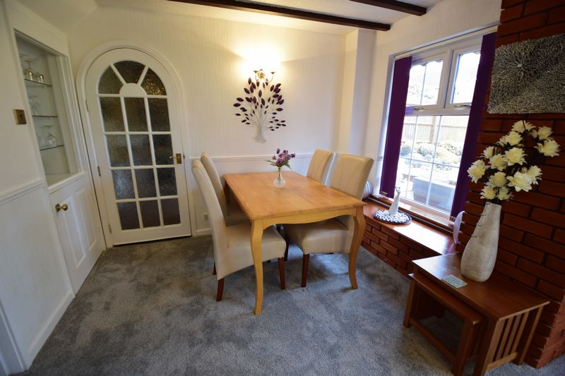 4 bedroom  to buy in Corinium Gardens, Luton - Photo 2
