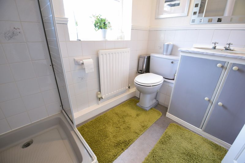 4 bedroom  to buy in Corinium Gardens, Luton - Photo 25