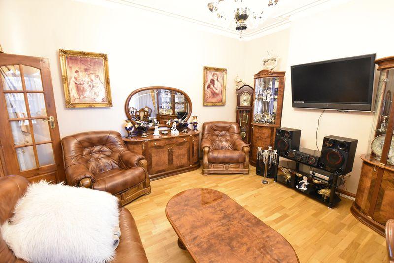 4 bedroom  to buy in Napier Road, Luton - Photo 2