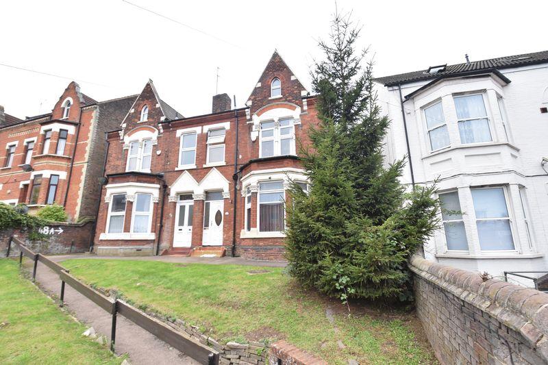 4 bedroom  to buy in Napier Road, Luton - Photo 15