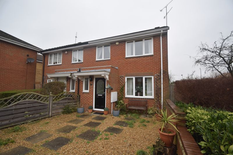 3 bedroom Semi-Detached  to buy in Whitwell Close, Luton