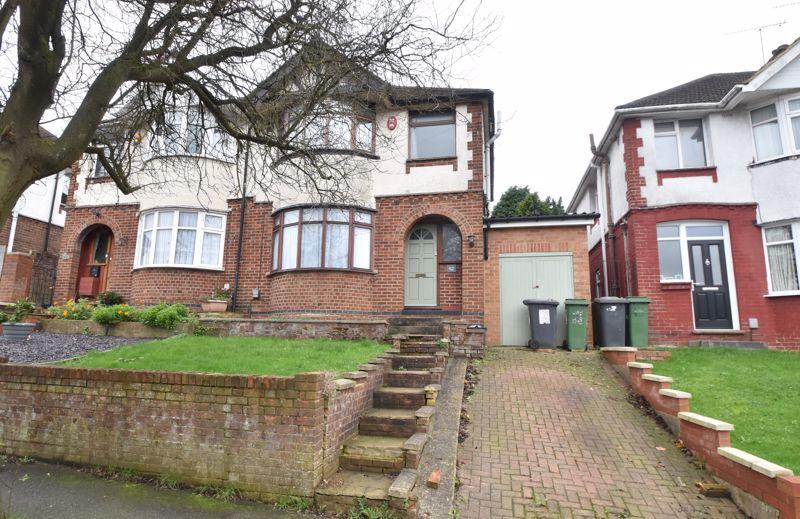 3 bedroom Semi-Detached  to buy in Walcot Avenue, Luton