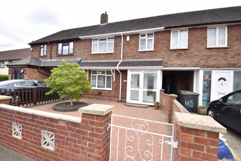 3 bedroom Mid Terrace to buy in Wilsden Avenue, Luton