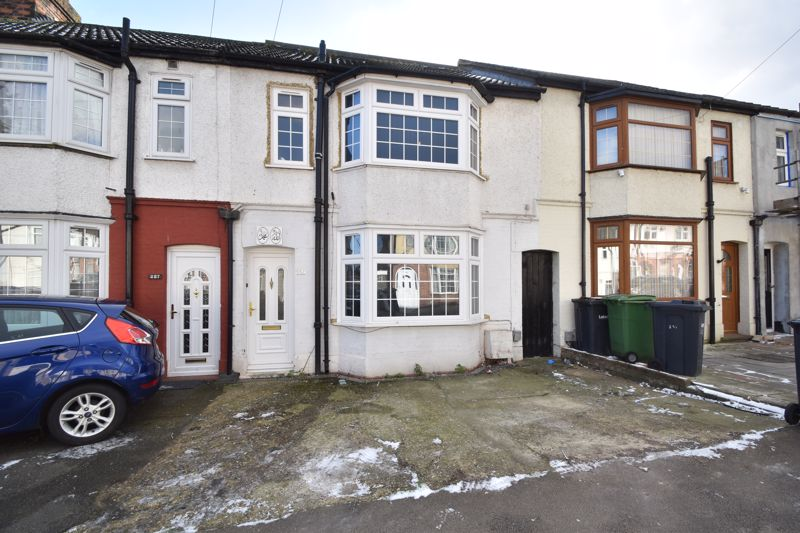 5 bedroom Mid Terrace to buy in Connaught Road, Luton