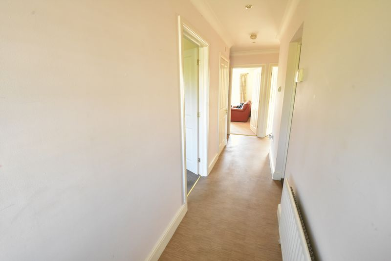 4 bedroom Detached  to buy in Sowerby Avenue, Luton - Photo 7