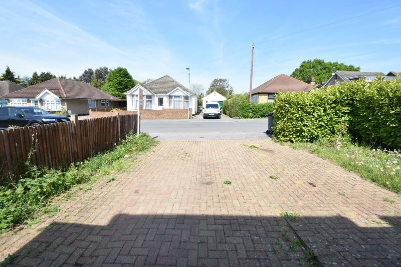 4 bedroom Detached  to buy in Sowerby Avenue, Luton - Photo 20