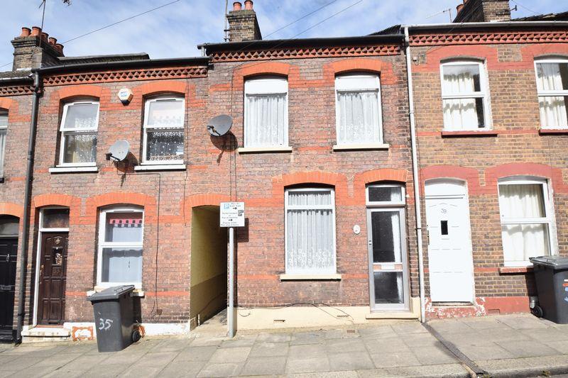 3 bedroom Mid Terrace to buy in Hartley Road, Luton