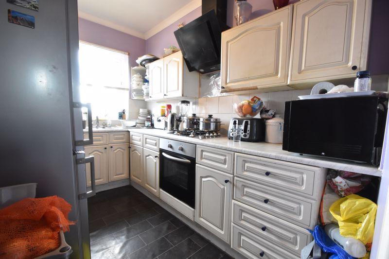 1 bedroom Flat to buy in Tudor Road, Luton - Photo 1