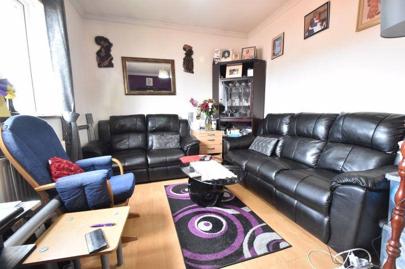 1 bedroom Flat to buy in Tudor Road, Luton - Photo 8