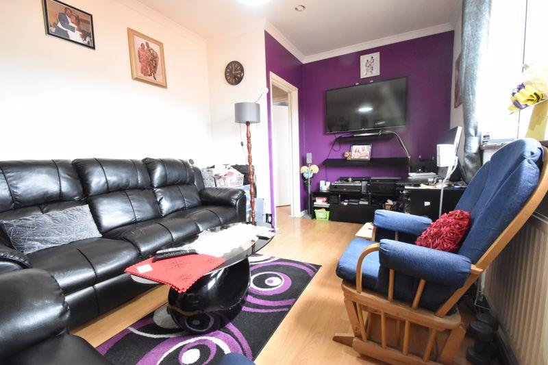 1 bedroom Flat to buy in Tudor Road, Luton - Photo 9