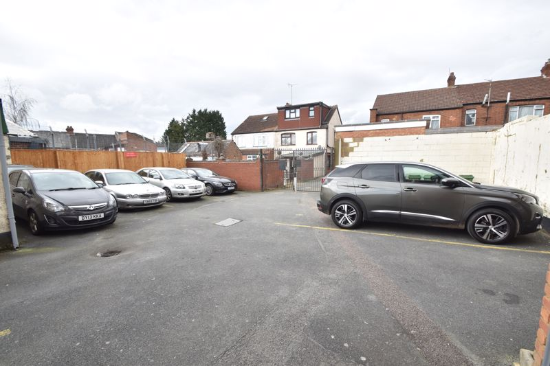 1 bedroom Flat to buy in Tudor Road, Luton - Photo 12