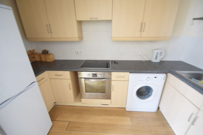 1 bedroom Flat to rent in Strathmore Avenue, Luton - Photo 4