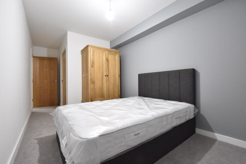 2 bedroom  to rent in Ridgway Road, Luton - Photo 18